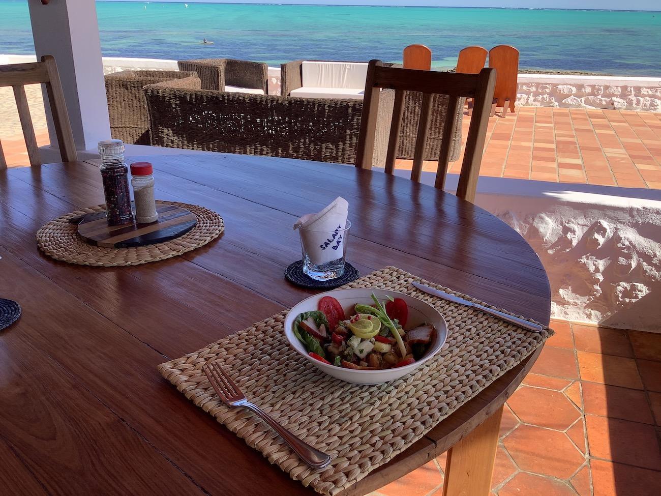 Duo d'Ananas et thon fumé, une entrée gourmande, Hotel Salary Bay