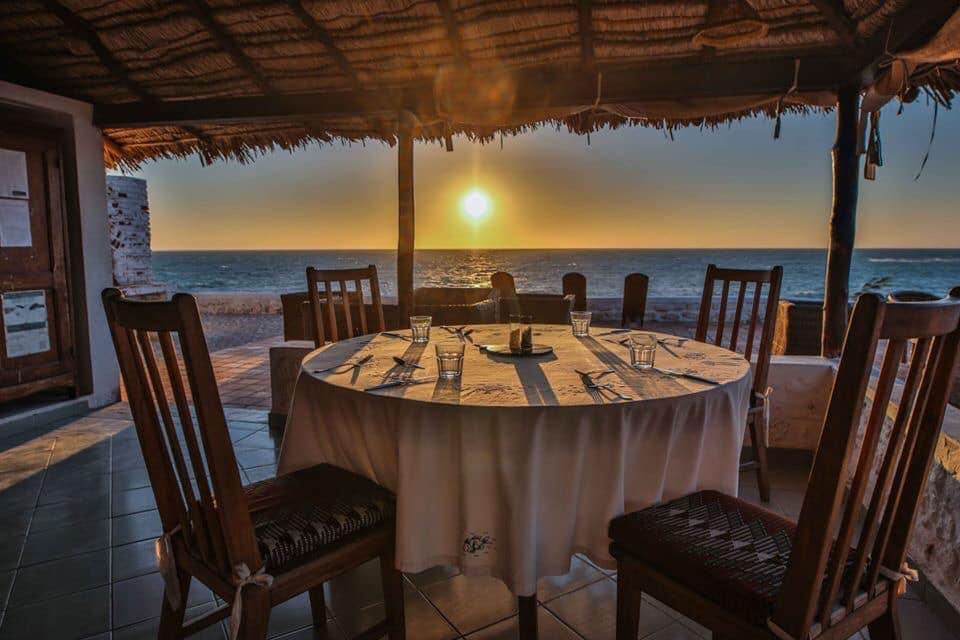 Le restaurant de l'Hotel Salary Bay, Sud Ouest de Madagascar, Vu sur mer